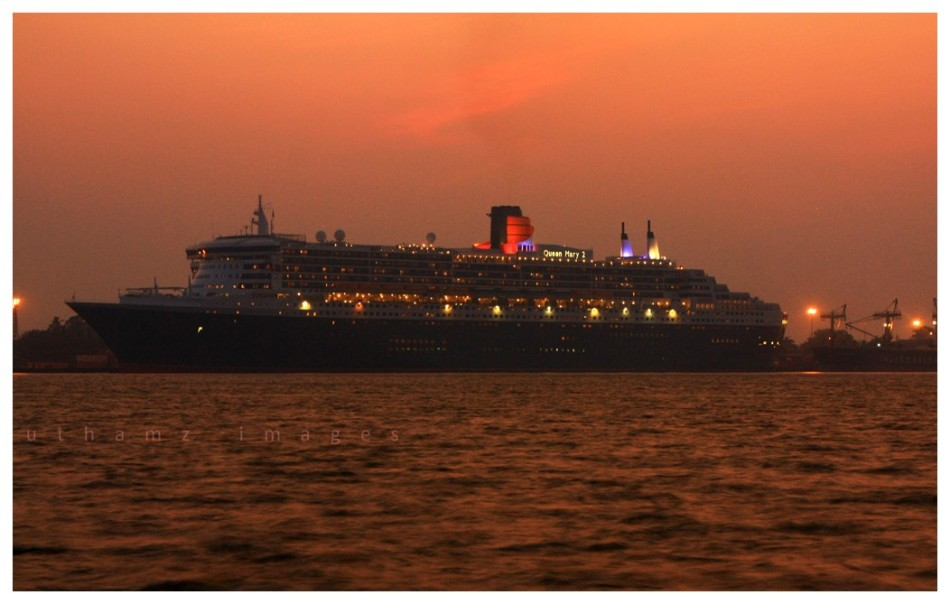 'Queen Mary (2) ' in glory !